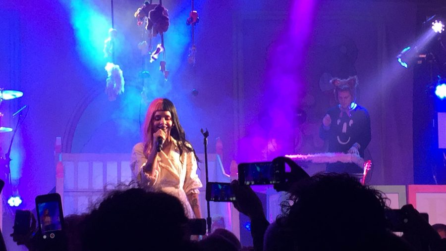 Melanie+Martinez+performing+%22Soap.%22