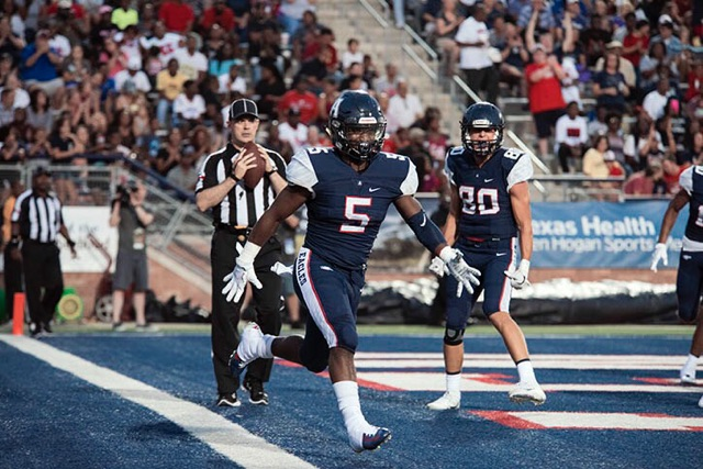 Allen Makes A Statement Win Against Cedar Hill