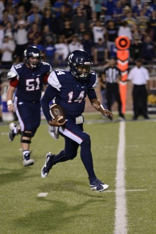 Allen cruises to quarter finals